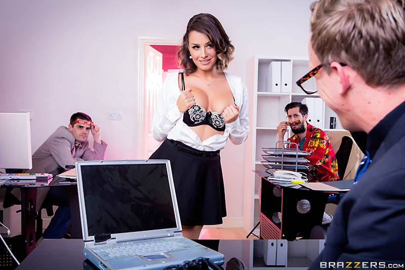 video-seksa-s-sekretarshey-v-kolgotkah